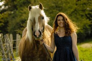 Frau_Pferd 01