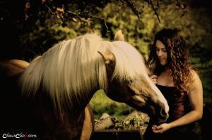 Frau_Pferd 04