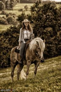 Frau_Pferd 09